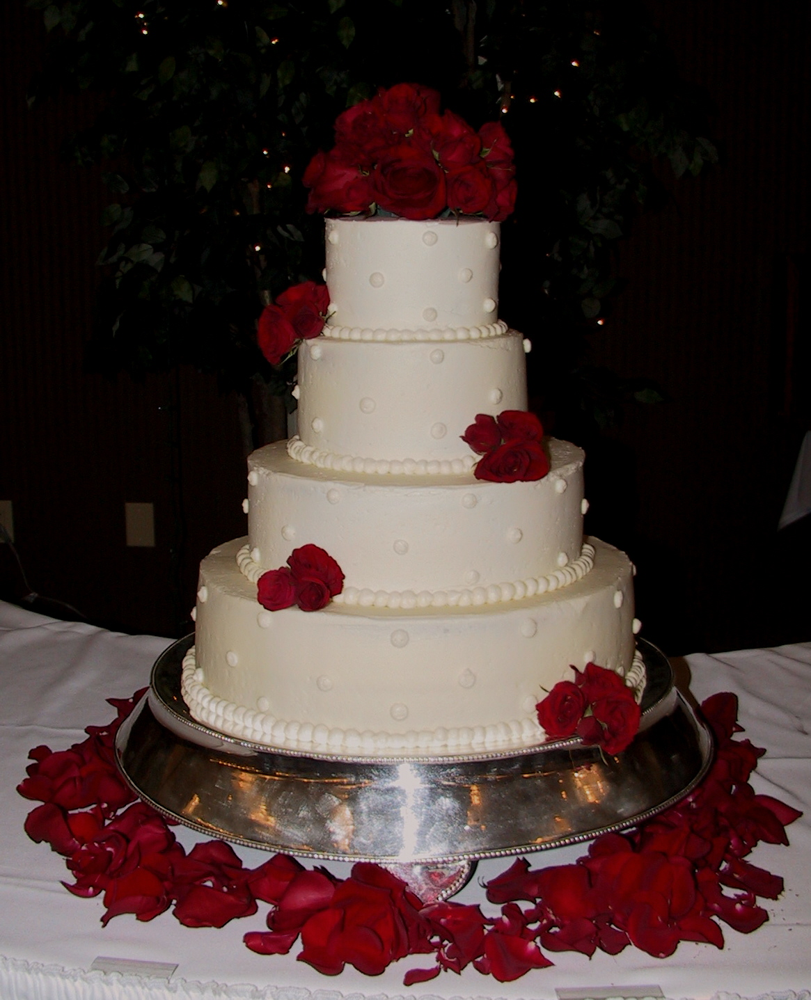 Rose Wedding Cake: White Wedding Cake With Fresh Red Roses Frankfort, KY