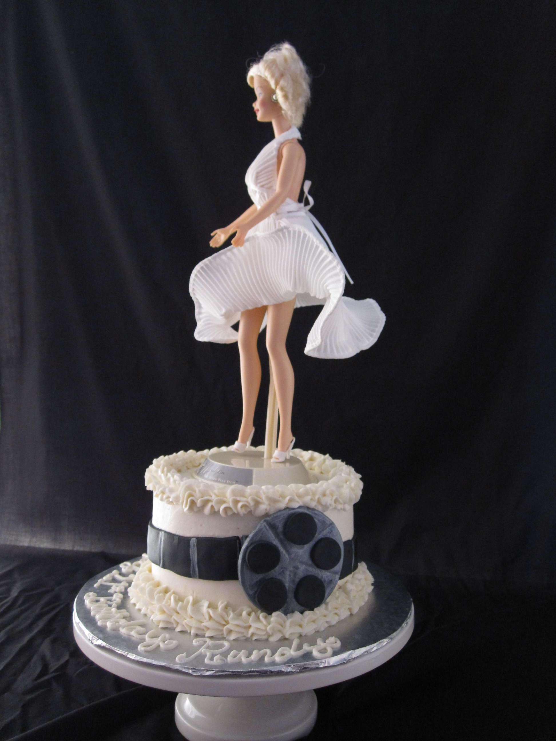 Marilyn Monroe Cake The Twisted Sifter